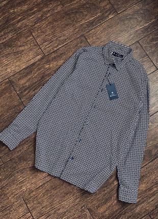 Красивая хлопковая рубашка с длинным рукавом