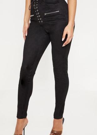 Черные штаны под замшу,  скинни со шнуровкой, высокая талия