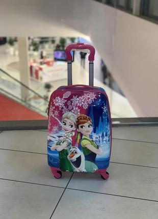 Детский чемодан на 4-х колесах