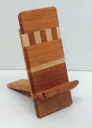 Підставки під смартфон з листяних порід деревини в асортименті