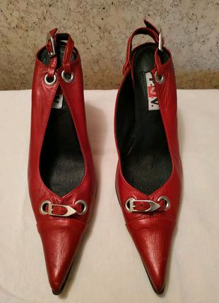 Женские кожаные туфли босоножки