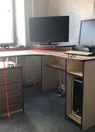 Продам стол компьютерный угловой
