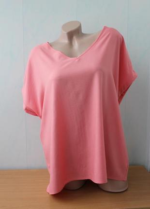Красивая блуза кораллового цвета
