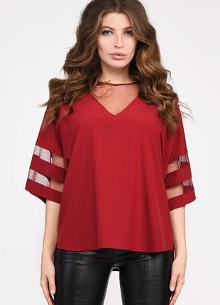 Женская блузка оверсайз с v-образным вырезом