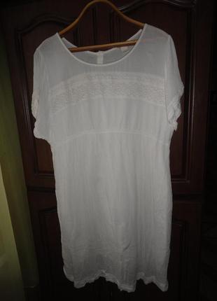 Белое платье с кружевом большого размера