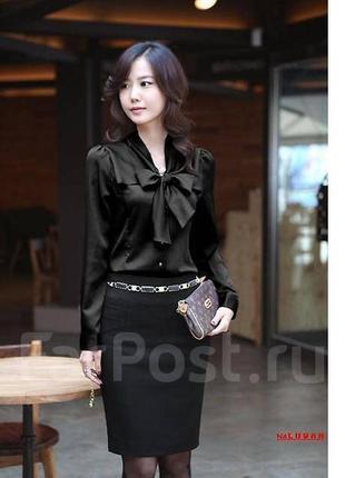 Черная атласная блуза
