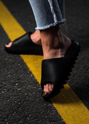 Шлепанцы adidas yeezy slide black sky