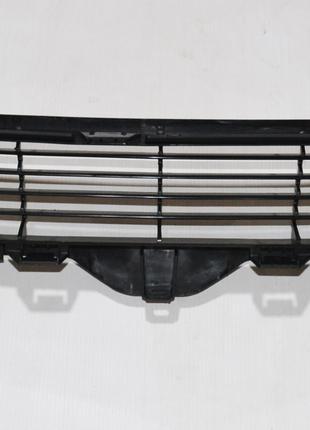 Решетка переднего бампера (декоративная) на TESLA MODEL 3