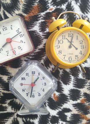 Часы настольные.