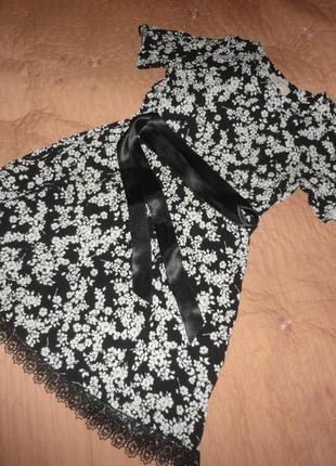 Черно-белое вискозное платье