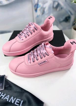Фирменные кожаные кроссовки Chanel