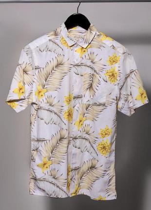 Рубашка в тропический принт листьев с коротким рукавом шведка ...