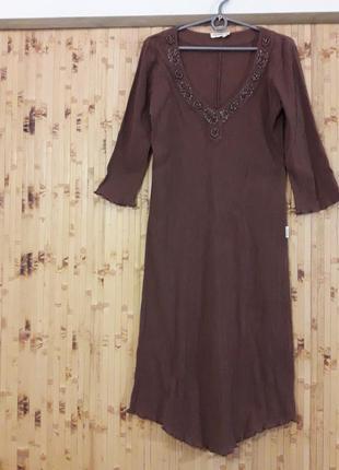 Платье из жатой ткани отделка вышивка бисер камушки