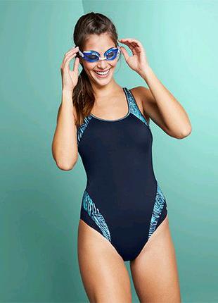 Шикарный спортивный купальник, р. наш: 52-54 (46 евро)