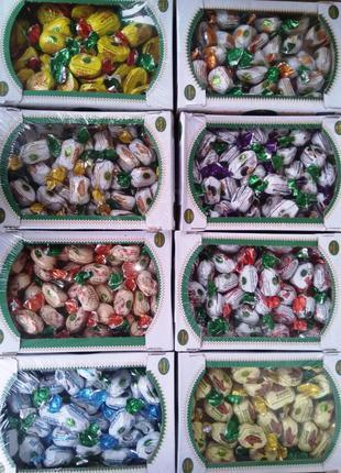 Конфеты в ассортименте от производителя, Орхидея в шоколаде