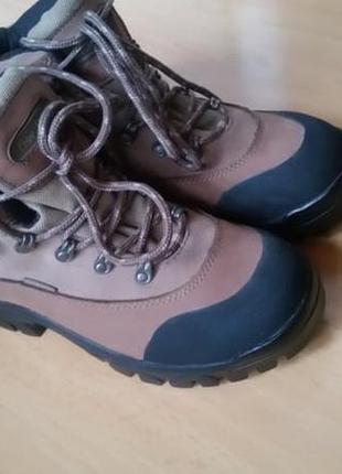 Тре́кинговые ботинки . женские. peter storm (великобритания)