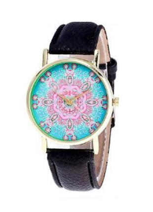 Часы женские с оригинальным орнаментом мандала на циферблате
