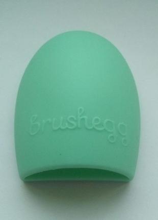 Щетка силиконовая для мытья и чистки косметических кистей brus...