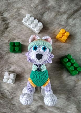 Вязаная игрушка собака Эверест