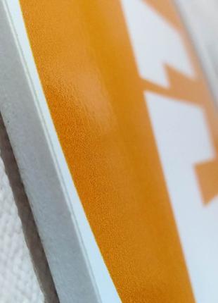 Печать на пластике. Печать табличек, логотипов, печать визиток.