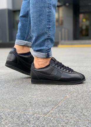 Стильные кроссовки nike cortez black