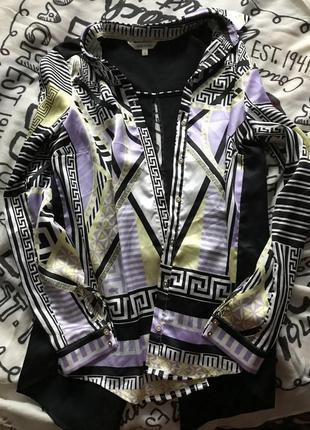 Рубашка , как шёлковая с интересной спинкой