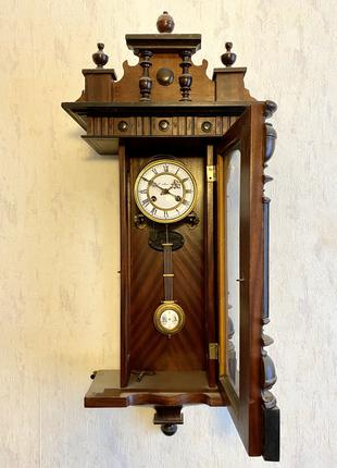 Настенные часы Moser