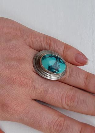Серебряное кольцо с натуральным камнем говлит