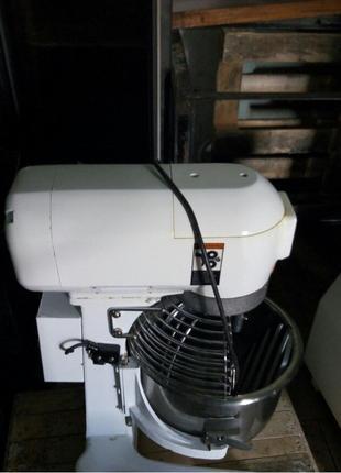 Тестомесильная машина-Миксер планетарный Frosty20