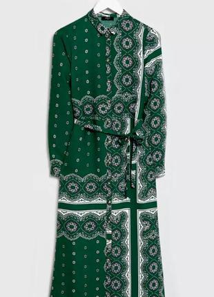 Длинное платье халат с поясом в контрастный  принт