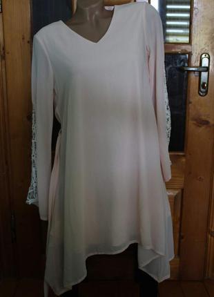 Красивое платье со сьемным поясом
