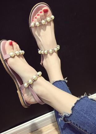 Летние розовые женские сандали
