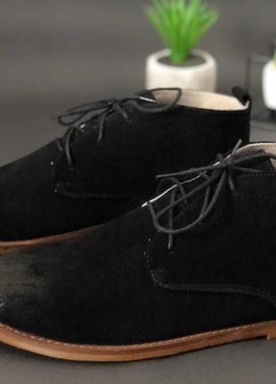 Крутые мужские черные ботинки - классические с эффектом потерт...