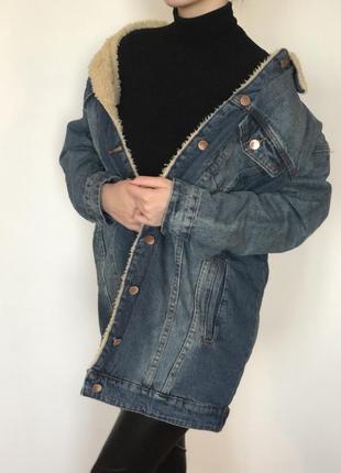 Женская длинная джинсовая куртка на меху