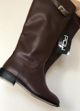 Высокие женские кожаные сапоги коричневые