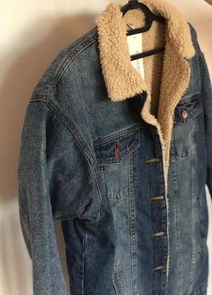 Длинная джинсовая куртка на меху