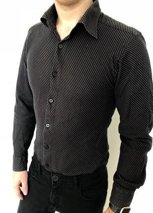 Мужская чисто черная приталенная рубашка