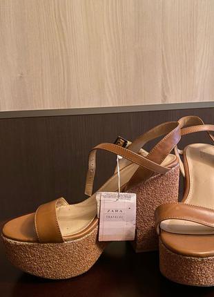 Босоножки Zara