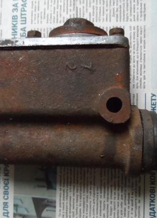 ГАЗ-20 Победа: Главный тормозной цилиндр
