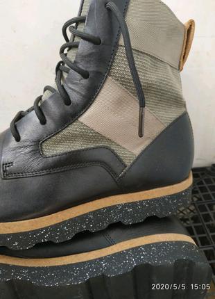 Качественные кожаные ботинки Clarks размер 44