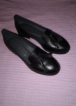 Стильные классические туфельки с кисточками, натуральная кожа
