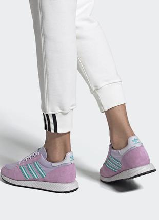 Женские кроссовки adidas forest grove