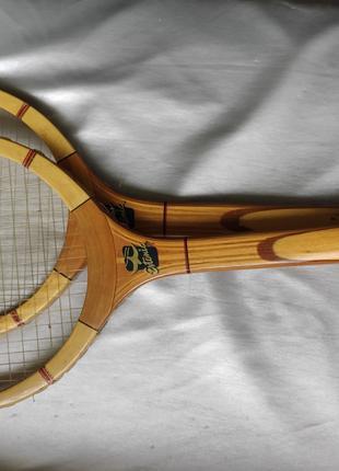 Теннисные ракетки. Бадминтон