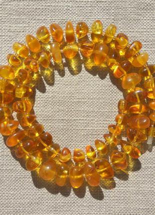 Великолепные янтарные бусы из натурального полированного янтаря