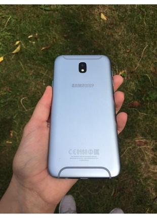 Samsung Galaxy J7 2017 року