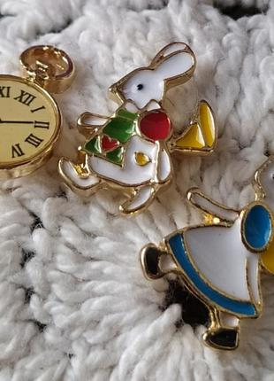 Серьги алиса в стране чудес часы и белый кролик гвоздики пусет...