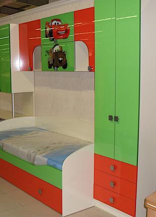 Комплект детской мебели Тачки: кровать, шкаф,полки, стол на заказ