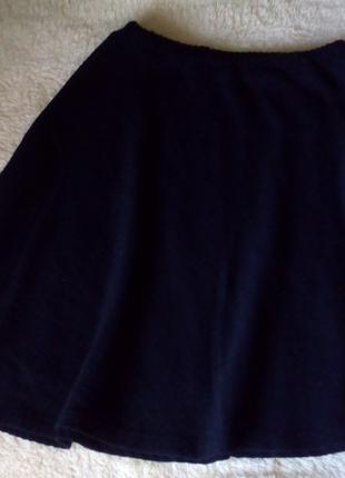 Юбка черная в рубчик