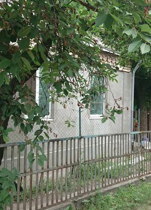 Кирпичный дом, утепленный пенопластом с участком