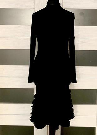 Платье etincelle оригинал с мехом и кружевом.
